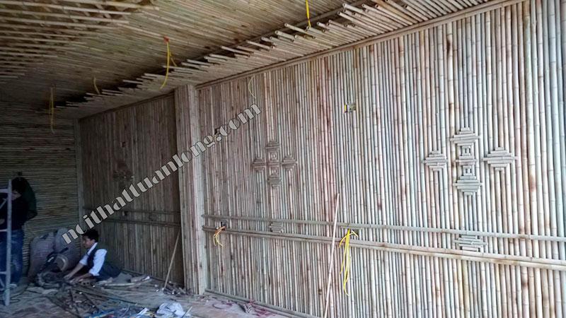 Ốp tre trúc trang trí tường nhà hàng tại số nhà 762 Quang trung - Hà nội