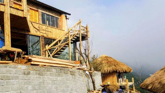 Thi công khu nhà nghỉ Homestay bằng chất liệu tre trúc mái cỏ tranh tại Tả Van - Sapa