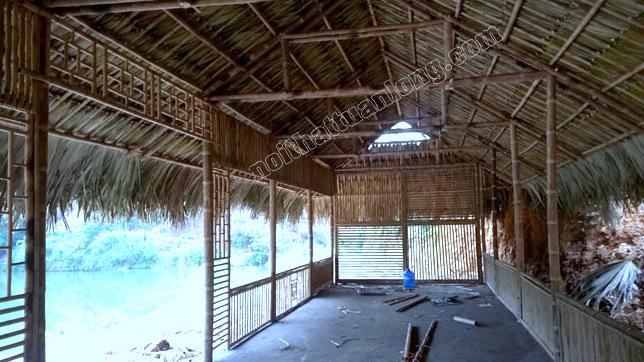 Thi công khu du lịch sinh thái bằng tre trúc mái lá cọ tại Vị Xuyên - Hà Giang .