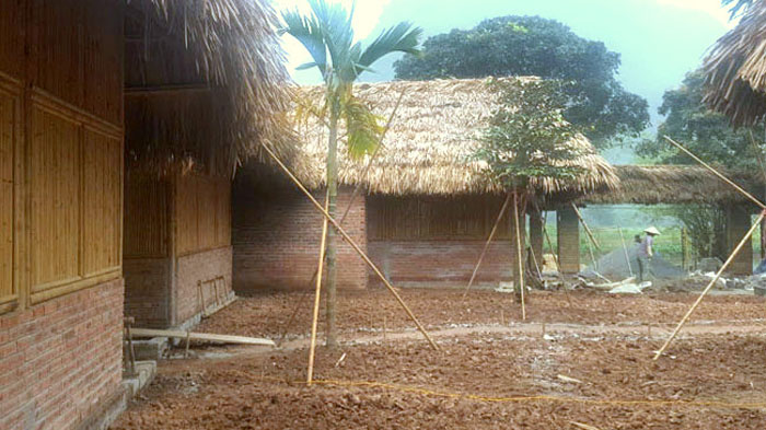 Thi công HomeStay bằng tre trúc , mái lá gia đình Anh Tư Thắm Tràng An -Ninh bình