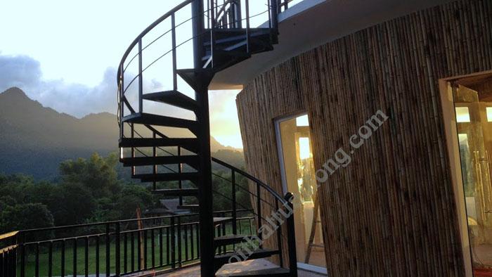 Thi công ốp tre trúc khách sạn Anh Mão tại Mai Châu .