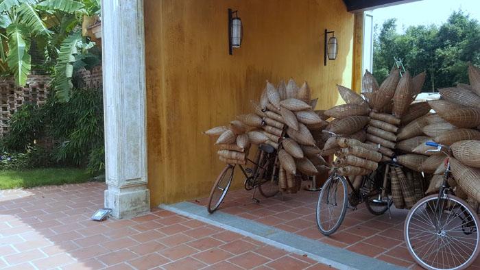 Thi công gian hàng chợ quê bằng tre nứa lá tại Tuần Châu - Quốc oai - Hà nội .