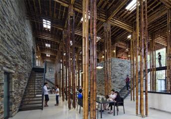 Nhà hàng bằng tre , đá ẩn mình giữa núi rừng Sơn La