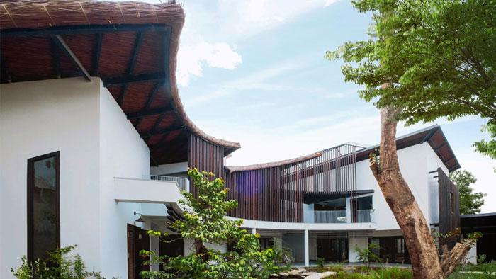 Bất ngờ với không gian trong ngôi nhà mái lá giữa thành phố Biên Hòa